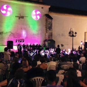 En una tarde preciosa, la Banda de Algete y la Coral Ofelia Nieto hicieron disfrutar al numeroso público algeteño